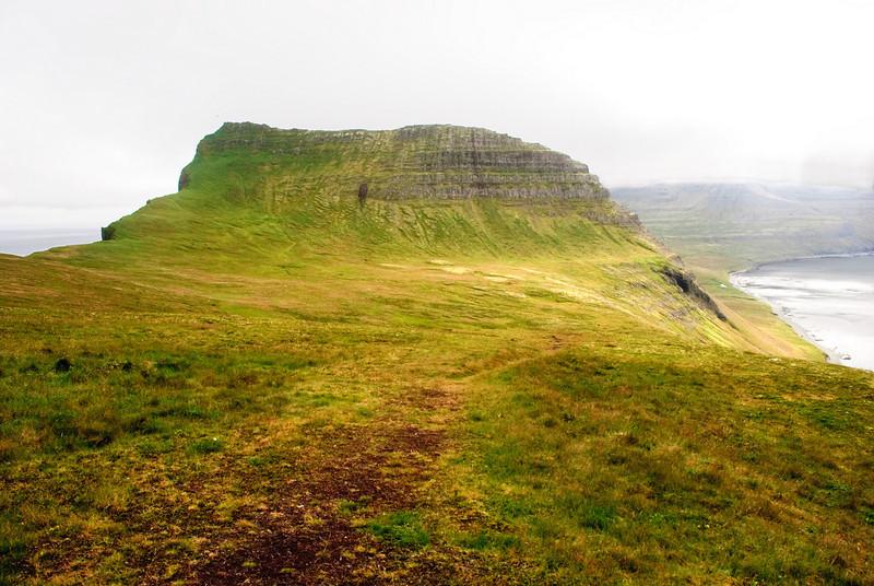 Ystidalur og Miðfell