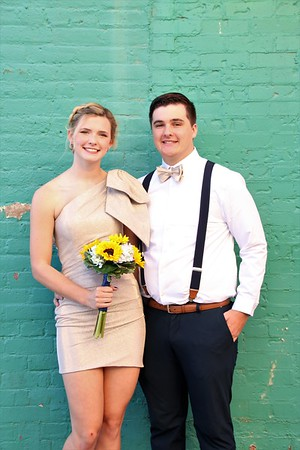 Madison and Titus    WCHS HoCo 2021