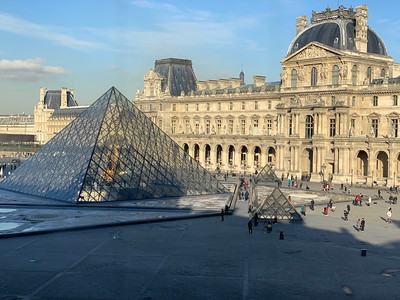 Day 2 -- To the Louvre and Back