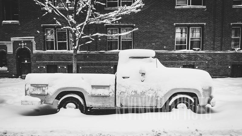 trucksnowbw02.jpg