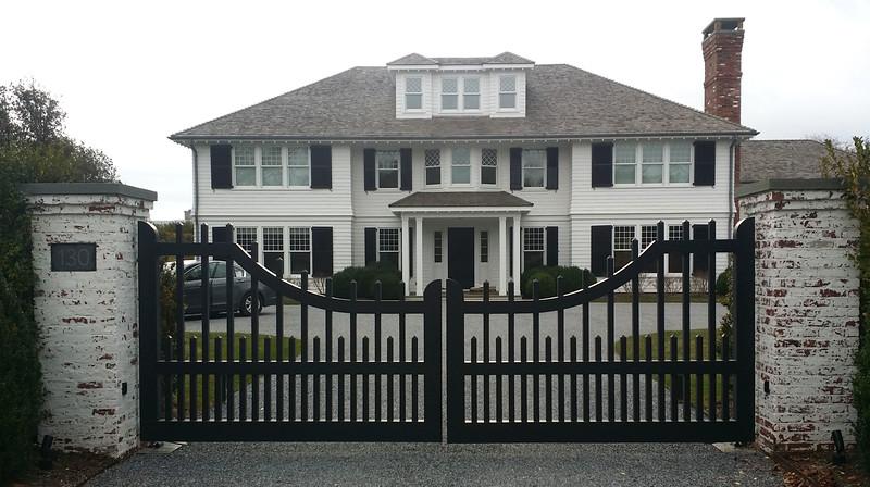 294 - East Hampton NY - Westchester Driveway Gate.jpg