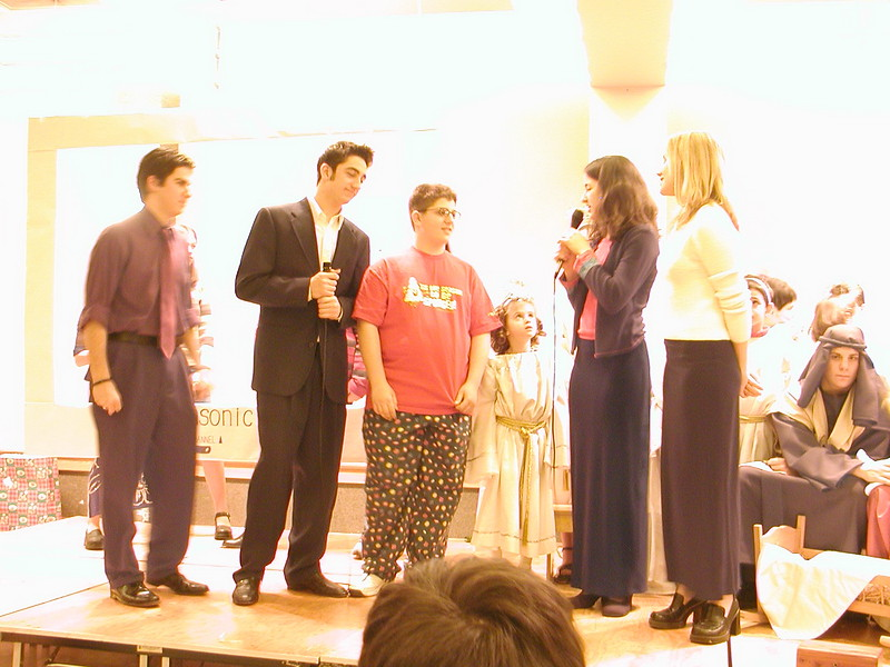 2002-12-21-HT-Christmas-Pageant_142.jpg