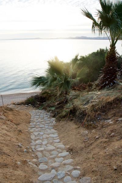 Steps down to the beach.