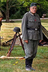WW-II Living History - Sully Plantation - July 2012