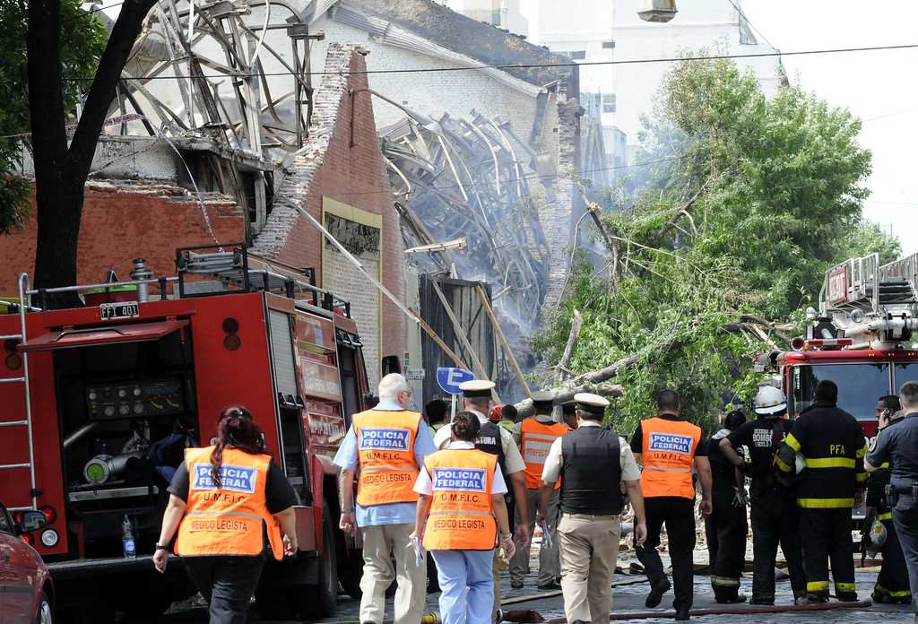 . Picture released by Noticias Argentinas showing firemen fighting a fire at a warehouse in Barracas, in southern Buenos Aires, on February 5, 2014.  AFP PHOTO / NA / Hugo Villalobos  /AFP/Getty Images
