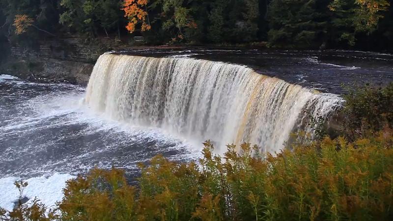 Tahquamenon Falls (Tahquamenon Falls State Park - Upper Michigan)