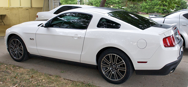 2013 White Ford Mustang GT