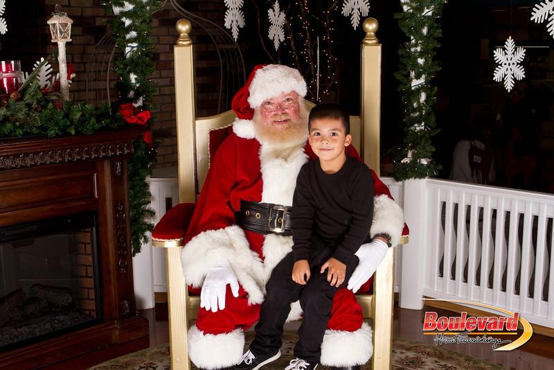 Santa Dec 15-167.jpg