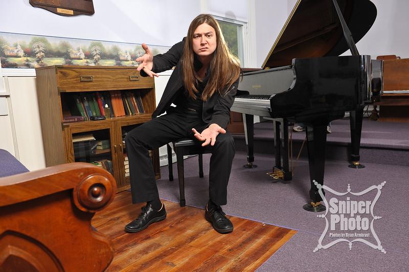 Benjamin Belew - piano player - louisville portrait photographer-10.jpg