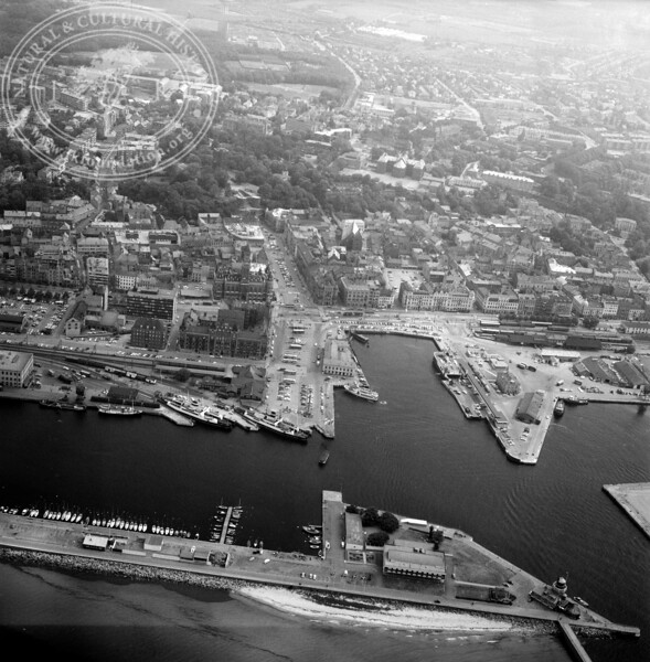 Helsingborg City with Harbor | EE.1198