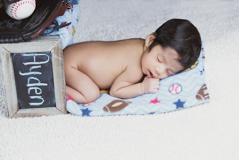 baby-ayden-new-born-portrait_0068.jpg