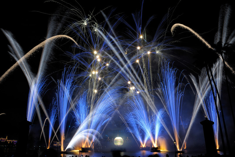 Walt Disney World 30s, at f/16 || E.Comp:0 || 28mm || WB: AUTO 0. || ISO: 200 || Tone:  || Sharp:  || Camera: NIKON D700on: 2012:12:07 20:42:02