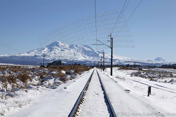 20110726 1109 Snow in Waioru _MG_9307a b