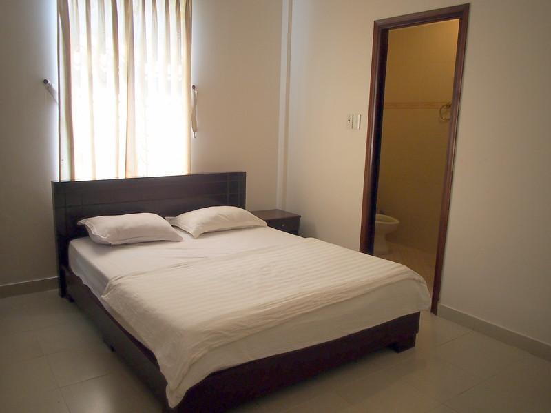P1296990-seabreeze-bedroom.JPG