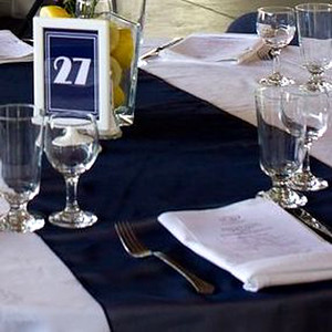 28140 Table runner navy blue