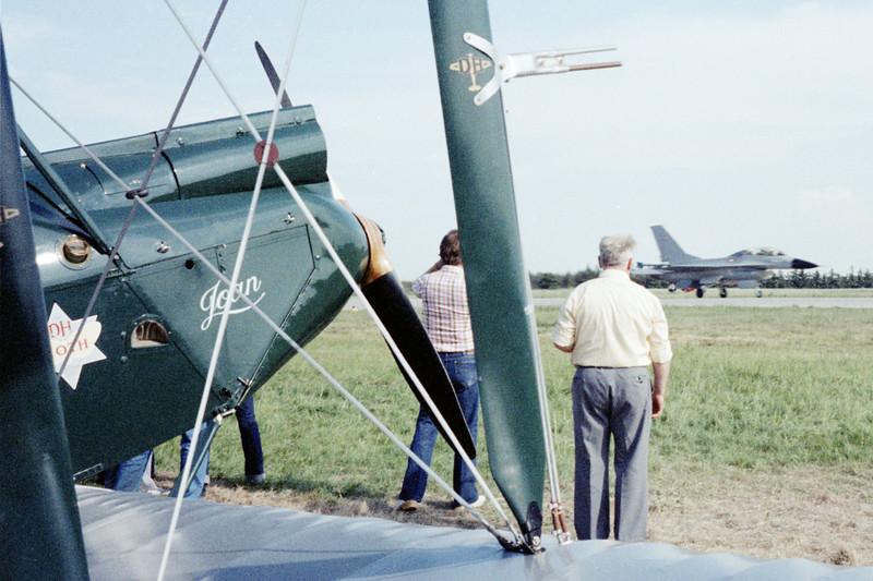 G-ABEV-DH-60GGypsyMoth-Private-EKVJ-1980-06-07-N26-18-KBVPCollection.jpg