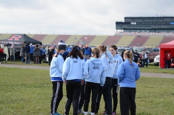 D2 Girls Pre-Race & Start - 2019 MHSAA LP XC Finals