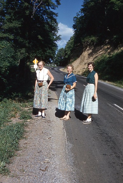 1957 Naomi, Fran, Coranne.jpg
