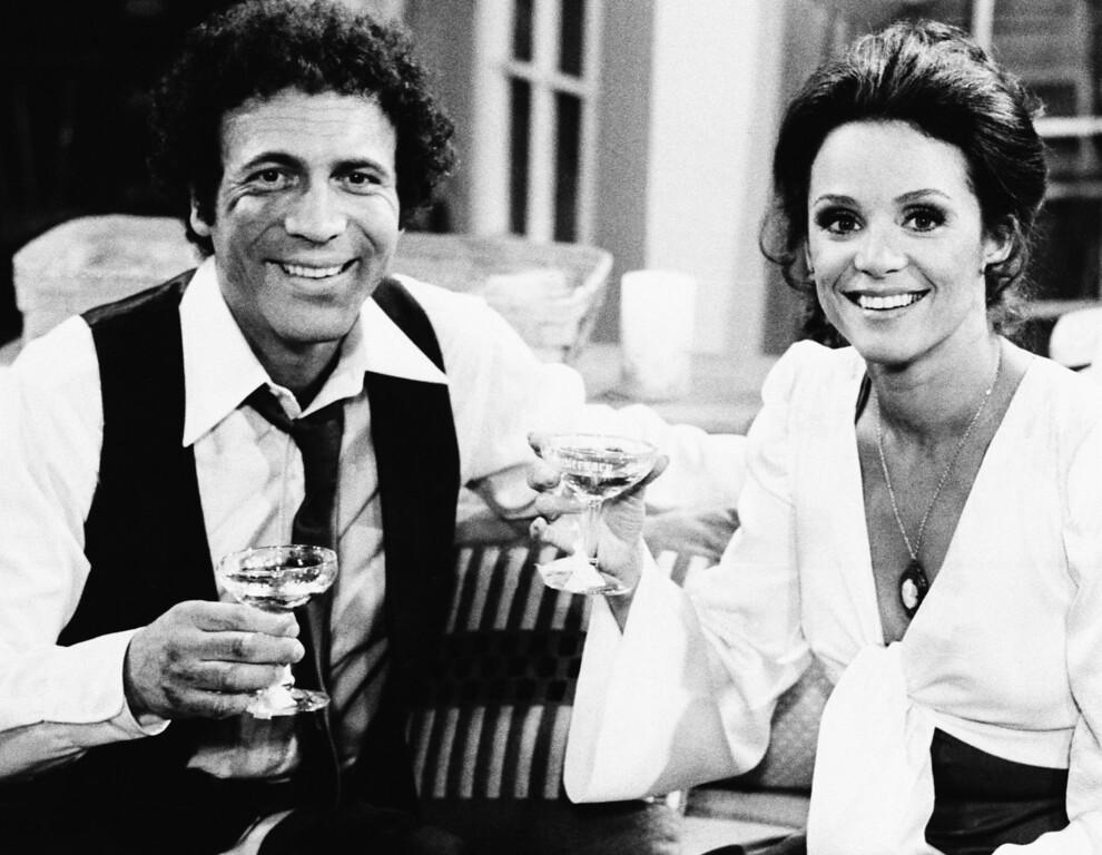 ". Actor David Groh and Valerie Harper star in CBS-TV\'s \""Rhoda,\"" 1977. (AP Photo/CBS-TV)"