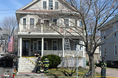 4/16/2015 - MEDFORD, MASS - WORKING FIRE 103 PLAYSTEAD RD