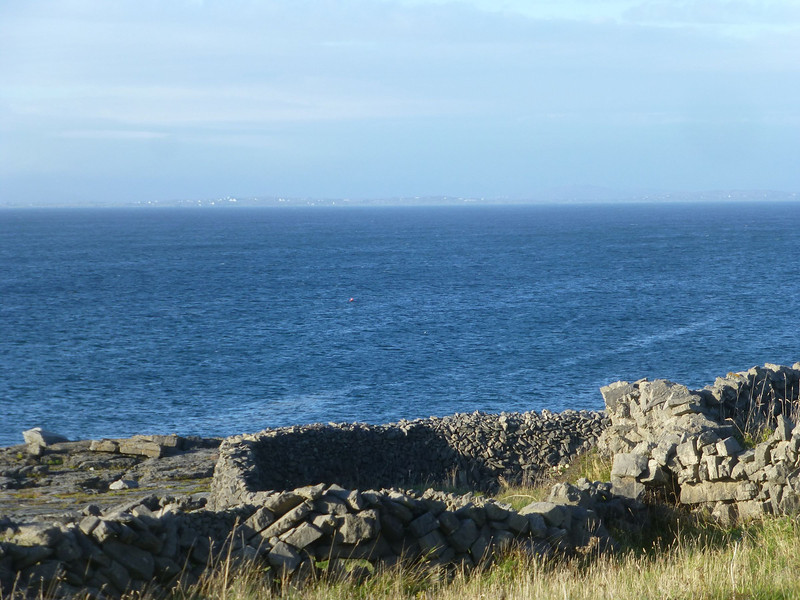 Aran Island-looking toward Rossaveal.jpg