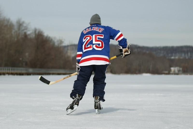 20140208_EMCphotography_PondHockeyCongersLakeNY-37.jpg