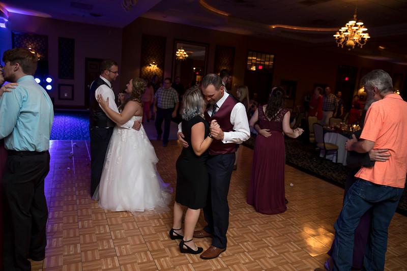 Amanda & Tyler Wedding 0811.jpg