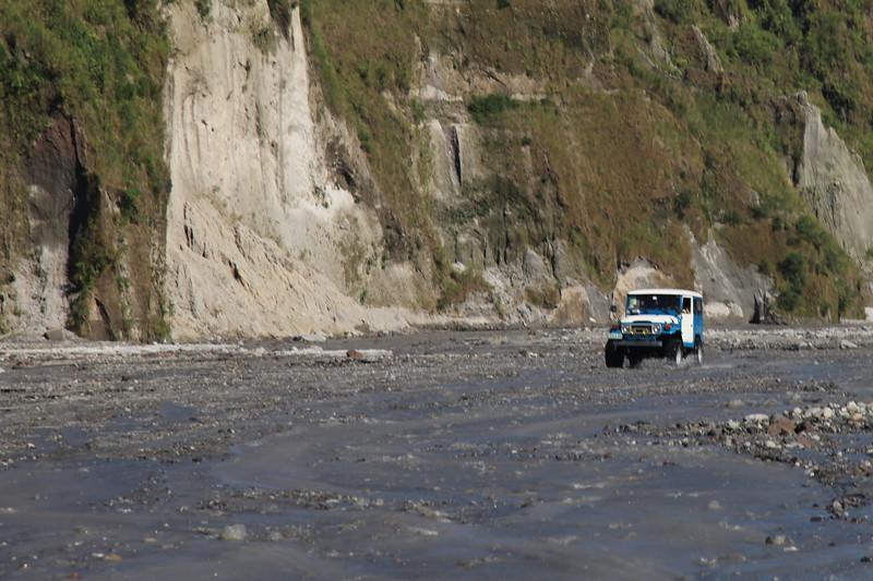 Takimi Jeepami sie tam dojezdza