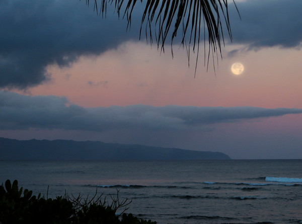 Moon set from Sunset Point  May 25, 2013 5:50 am