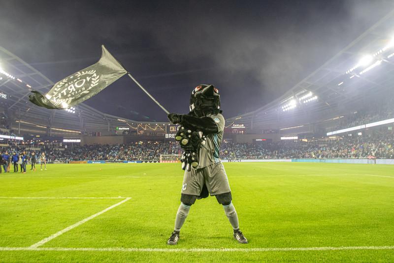 PK, True North Elite, Flag, Smoke, Win