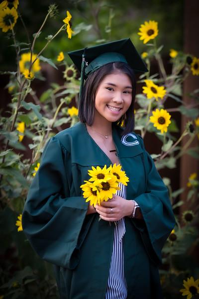 20200521_sarah-friends-connally-graduation_071.jpg