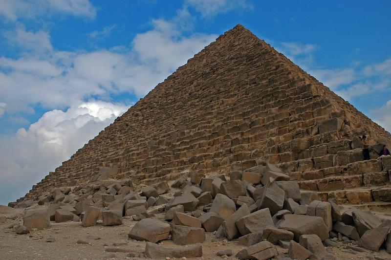 pyramid of menkaure