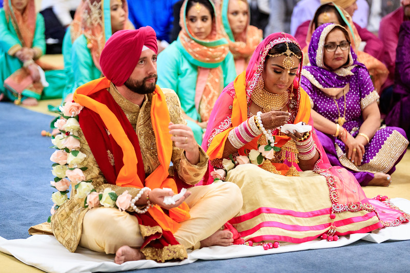 Neelam_and_Matt_Gurdwara_Wedding-1468.jpg