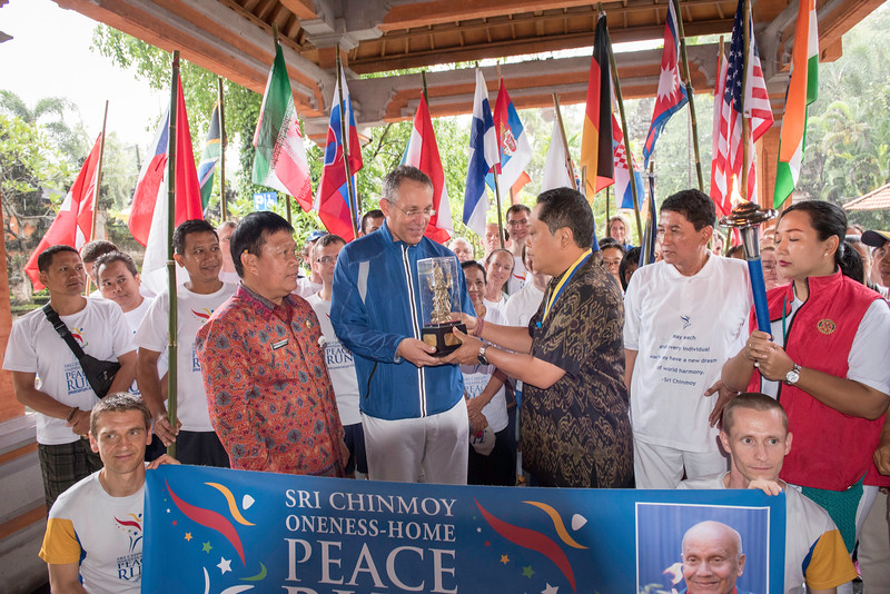 20170202_Peace Run Denpasar w_Mayor_060.jpg