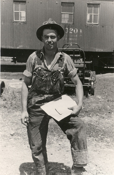 Unk Railroad Worker.jpg