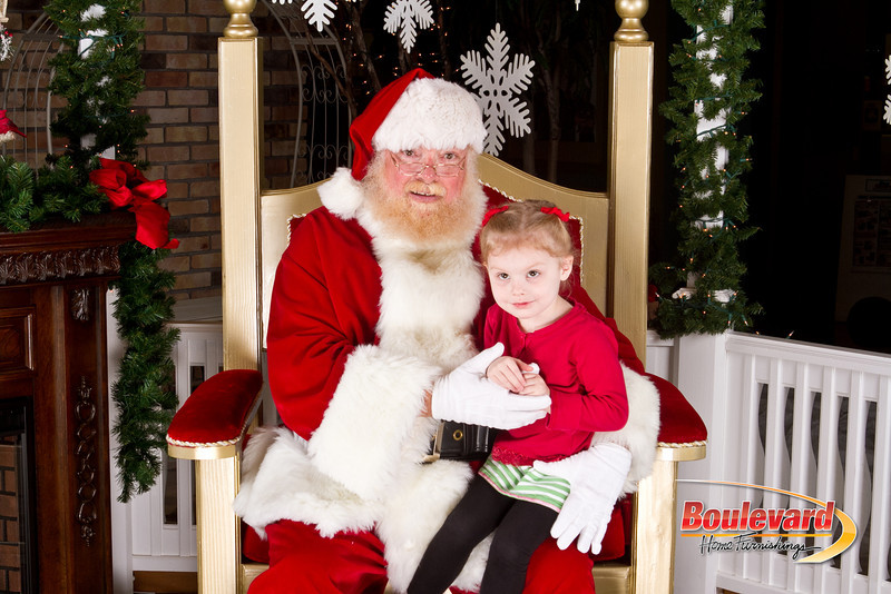 Santa Dec 8-207.jpg