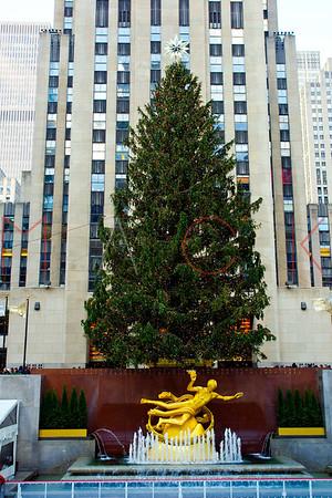NEW YORK, NY - DECEMBER 13:  Holiday Windows on December 13, 2012 in New York City.