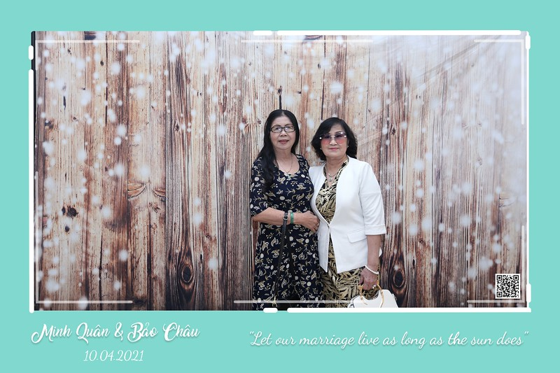 QC-wedding-instant-print-photobooth-Chup-hinh-lay-lien-in-anh-lay-ngay-Tiec-cuoi-WefieBox-Photobooth-Vietnam-cho-thue-photo-booth-121.jpg