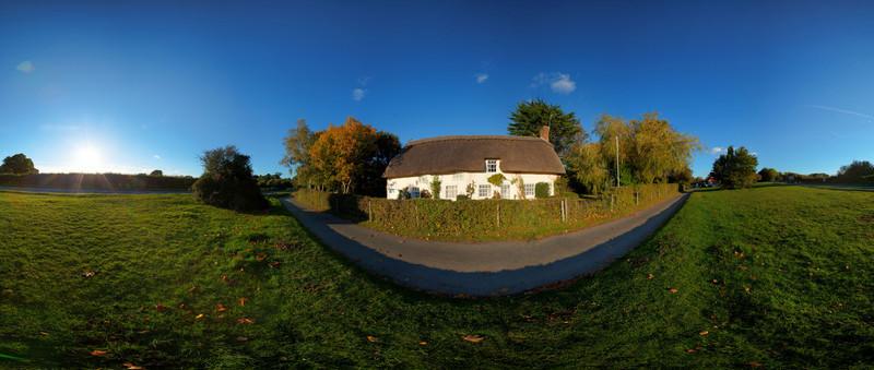 Beaulieu Thatch House HDR Panorama.jpg