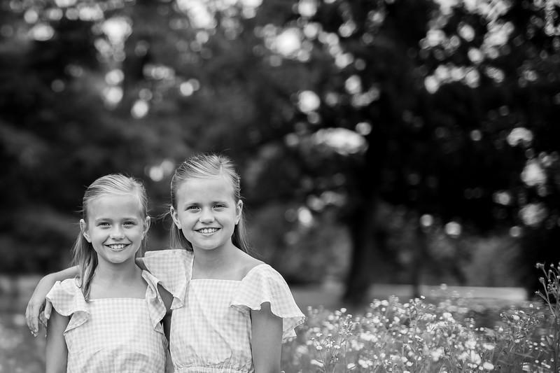 Girls in Tall Grass bw (4 of 6).jpg