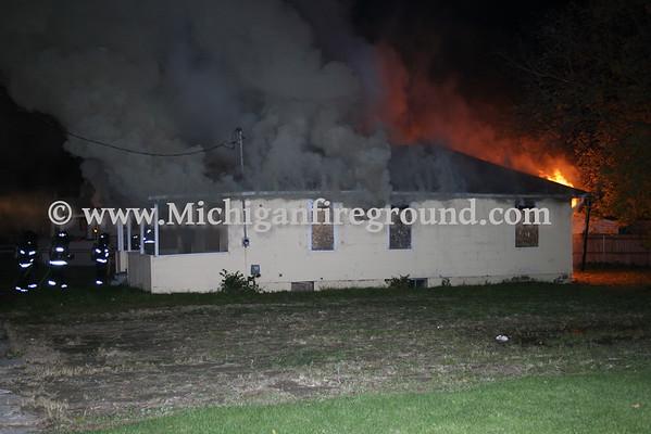 10/31/08 - Flint house fire, next to 118 E. Belvidere