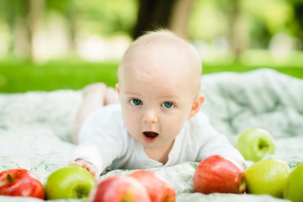 Baby | Eli 6 Months