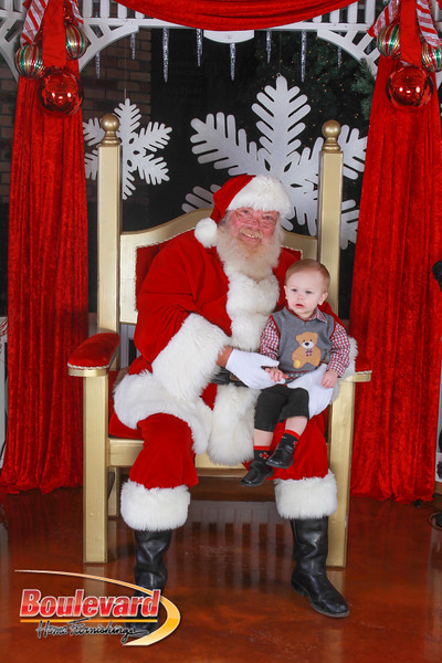 Santa 12-10-16-405.jpg