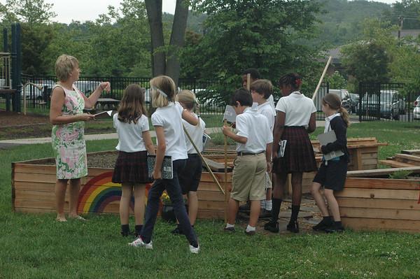 3rd Grade Math Visits the Sally Wolf Garden