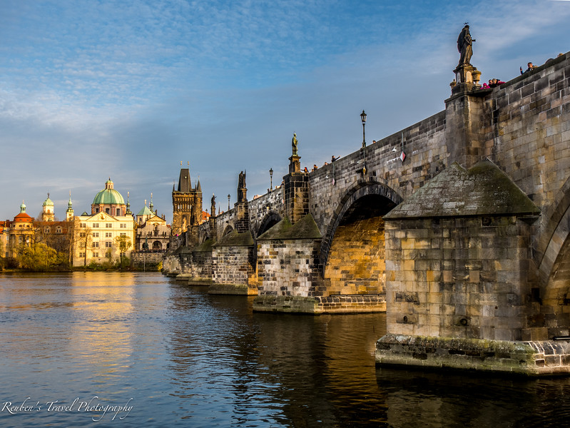 HDR Charles bridge.jpg