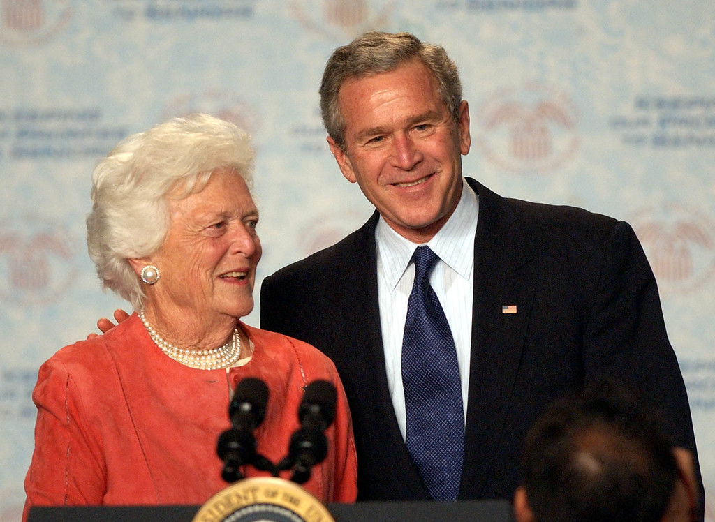 . Former First Lady Barbara Bush introduces her son President Bush to a gathering at the Lake Nona YMCA Family Center in Orlando, Fla. Friday, March 18, 2005. He spoke on strengthening Social Security.(AP Photo/Peter Cosgrove)