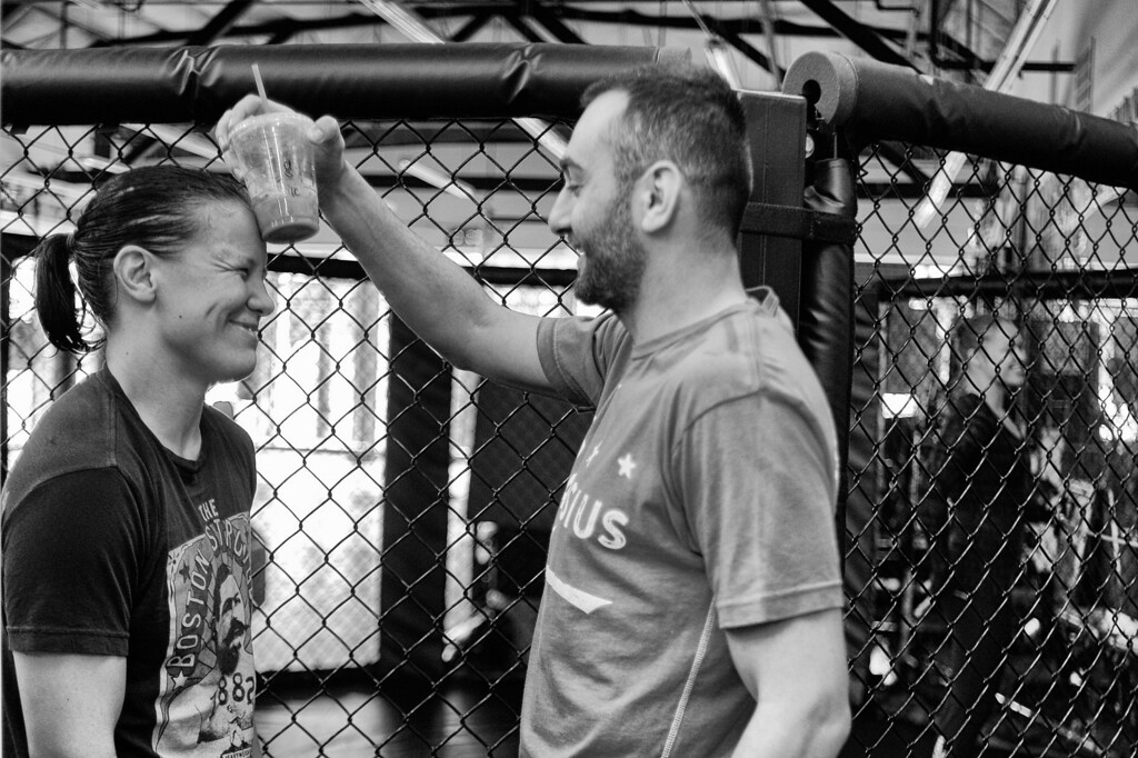 . Coach Edmond Tarverdyan give Shayna Baszler some help cooling off after training at Glendale Fighting Club in Glendale. (Photo by Hans Gutknecht/Los Angeles Daily News)