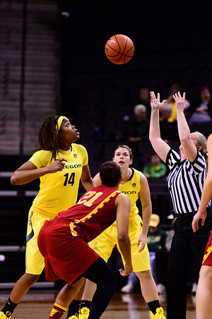 Women Duck Basketball v USC