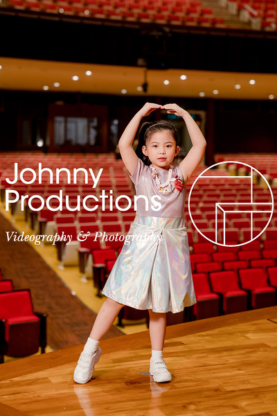 0072_day 1_orange & green shield portraits_red show 2019_johnnyproductions.jpg