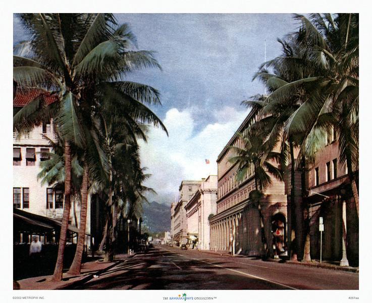 267: 'Bishop Street, Honolulu' Postcard. Ca. 1940.